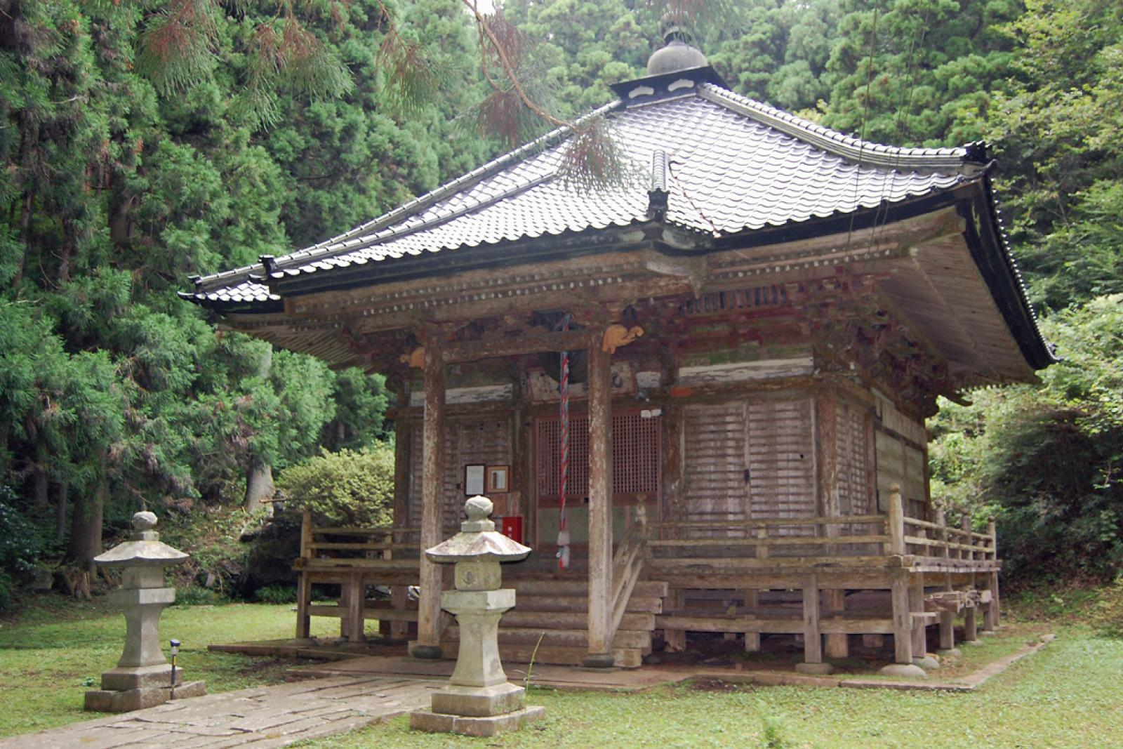 Tatsugane Kannon-do temple 田束観音堂